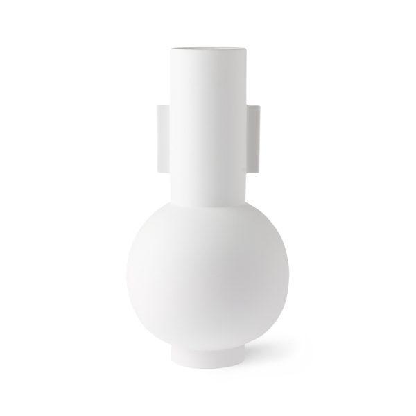 Kameninová biela štíhla váza v nádhernom modernom dizajne.