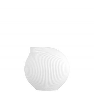 Moderná keramická váza v jednoduchom guľovitom tvare s pištekom v bielej farbe.