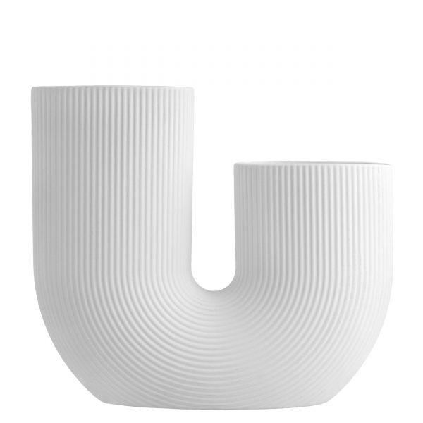 Moderná keramická váza v jednoduchom tvare U v bielej farbe.