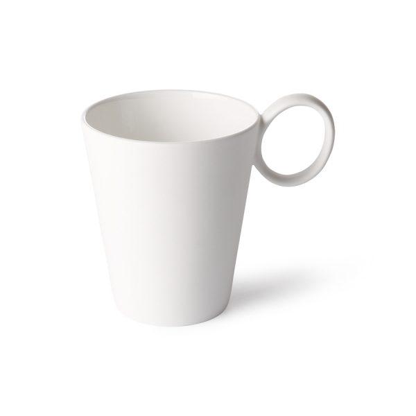 Biela porcelánová šálka z kostného porcelánu v príjemnoma jednoduchom dizajne.