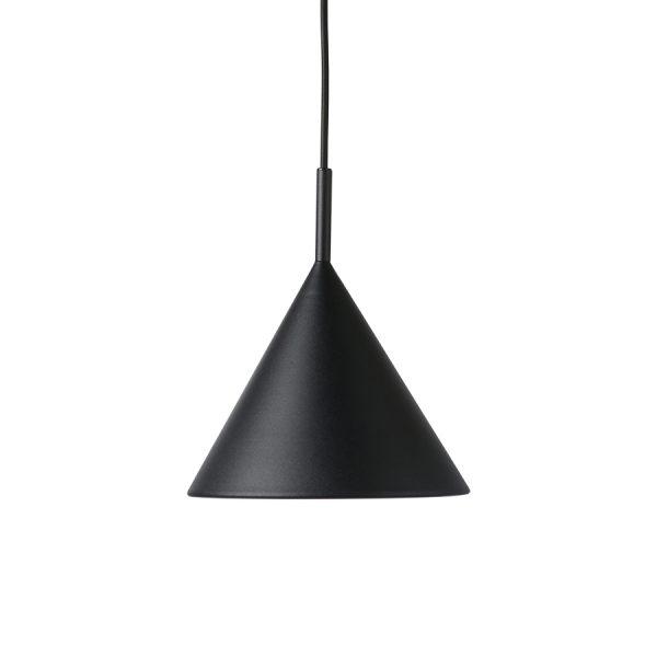 Závesná kovová lampa v tvare visiaceho kužeľa v matnej čiernej farbe o priemere 22 cm a s dĺžkou kábla 150 cm.
