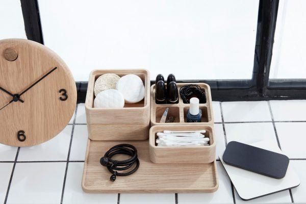 Kreatívna kombinácia 3 ks podnosov, 4 ks krabičiek a 2 ks vrchnákov zdubového dreva v prírodnej farbe, ktoré je možné medzi sebou kombinovať.