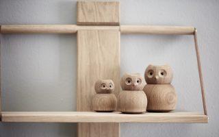 Dizajnová drevená sovička z dubového dreva s ligotavým očkom a pohyblivou hlavičkou.